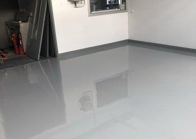 revetement epoxy autolissant salle coloration 2