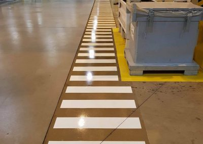 worldfloor resine sol revetement industrie coating luxembourg marquage uv 21